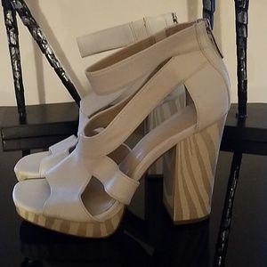 SALE 💎💥Guess Shoes